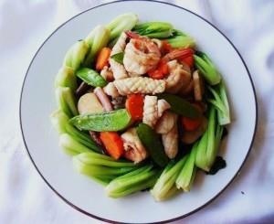 Mực xào rau cải